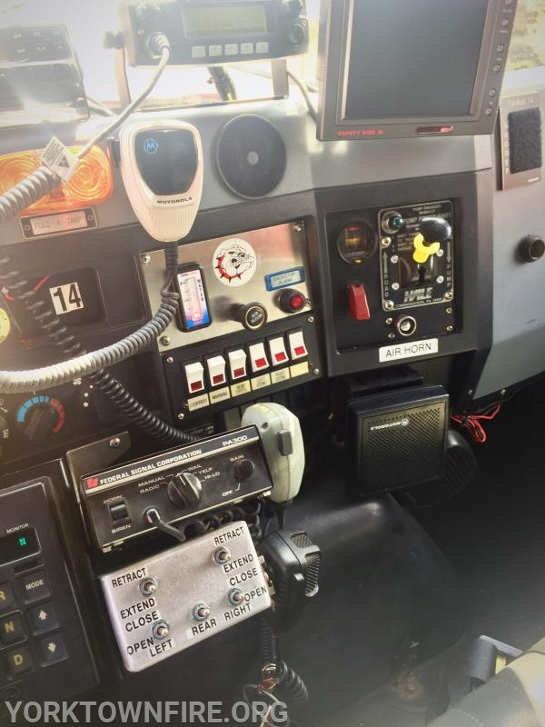 Refurbished Interior with electronic dump controls and rearview camera monitor